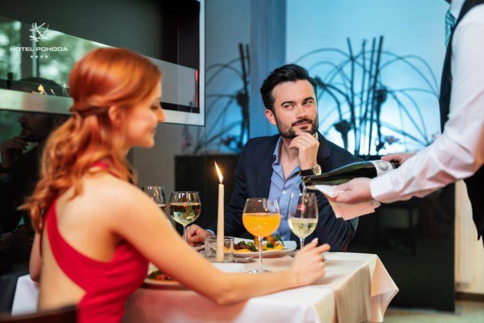 Restaurace Atmosféra Luhačovice v hotelu Pohoda, romantická večeře v Luhačovicích