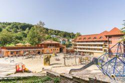 Hotel Ambra, dětské hřiště U Solného pramene