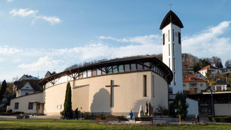 restaurace Kostel Svaté Rodiny