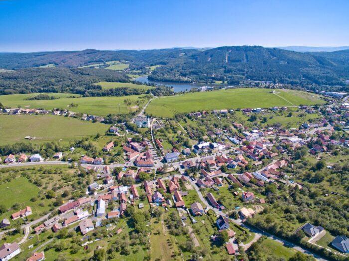 Městys Pozlovice a přehrada Luhačovice