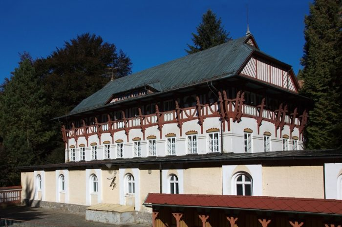 Vodoléčebný ústav a Sluneční lázně Luhačovice
