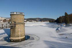 Zamrzlá přehrada v Luhačovicích