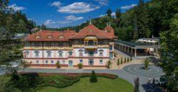 Jurkovičův dům a vstup na lázeňskou kolonádu Luhačovice